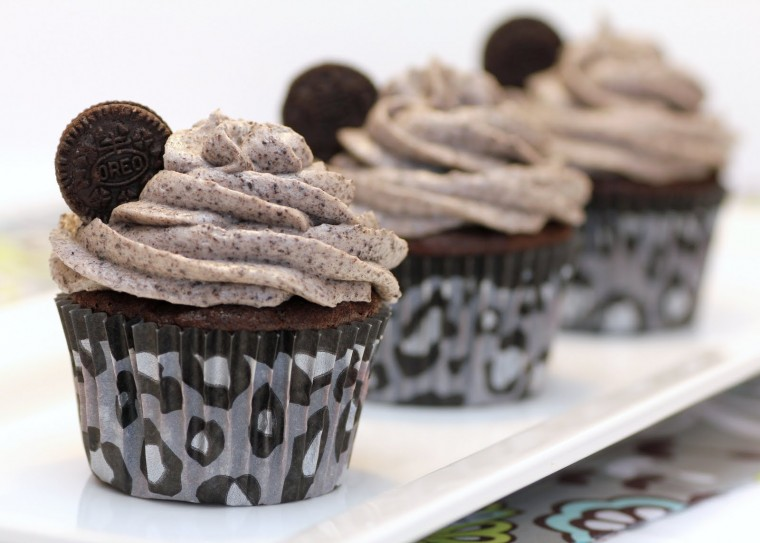 6662f-death-by-oreo-cupcakes